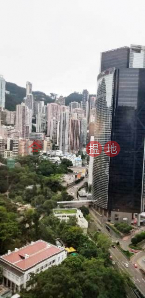 HK$ 129,415/ month | Lippo Centre | Central District | Sea view cum mountain view office on high floor in Lippo Tower for lettting, good deco