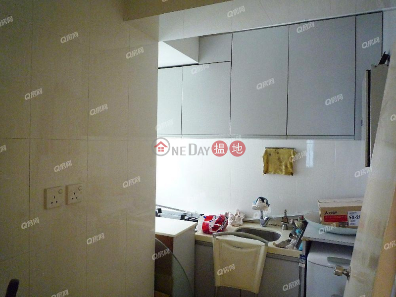 HK$ 19,000/ month, Pearl Court   Western District   Pearl Court   2 bedroom Low Floor Flat for Rent
