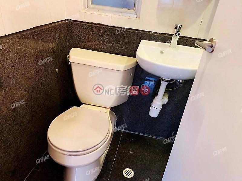 Windsor Court | 1 bedroom Mid Floor Flat for Rent | Windsor Court 衛城閣 Rental Listings
