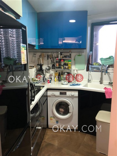 Nicely kept 2 bedroom in Olympic Station | For Sale | Tower 5 The Long Beach 浪澄灣5座 Sales Listings