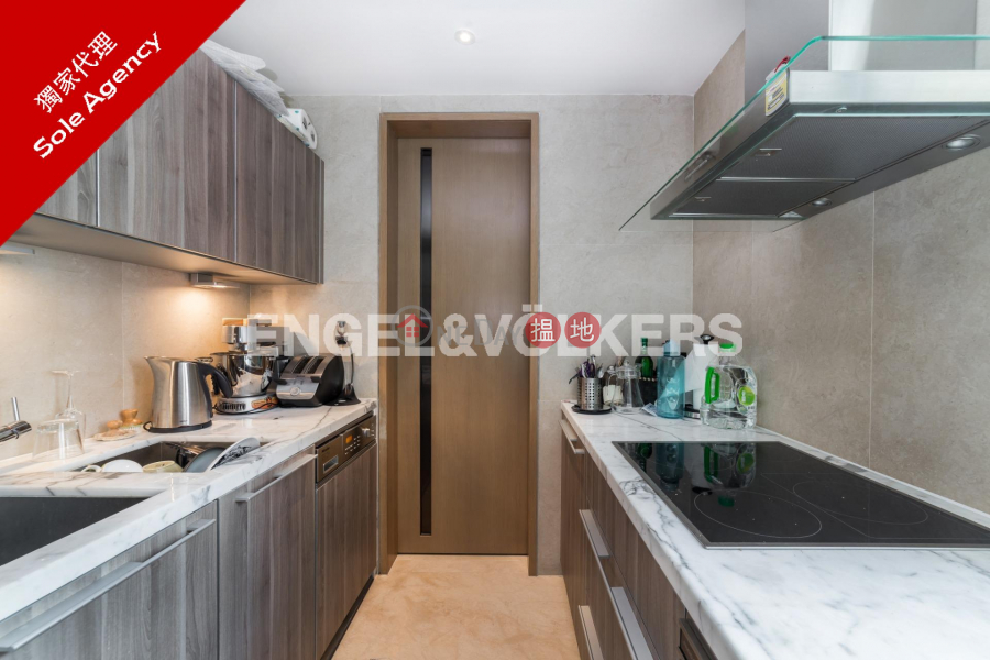 3 Bedroom Family Flat for Rent in Mid Levels West | Gramercy 瑧環 Rental Listings