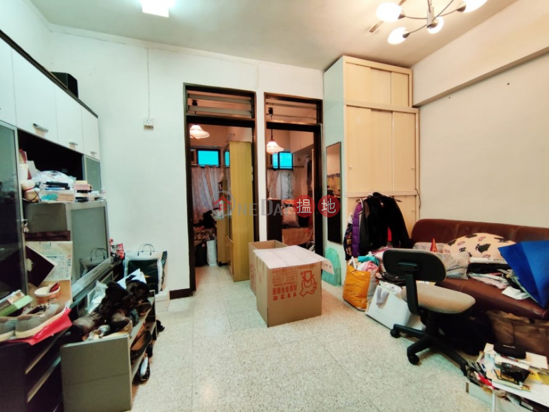 Property Search Hong Kong | OneDay | Residential, Sales Listings, Walk Up on Burd Street, Convenient Location w/ lot of good restaurants nearby, close to MTR station