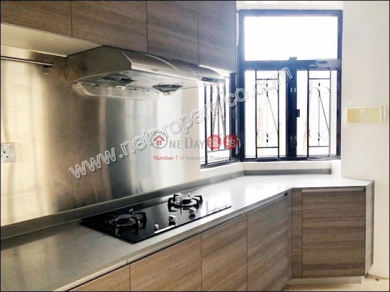 Property Search Hong Kong | OneDay | Residential | Rental Listings | Spacious Apartment for Rent in Mid-Levels East