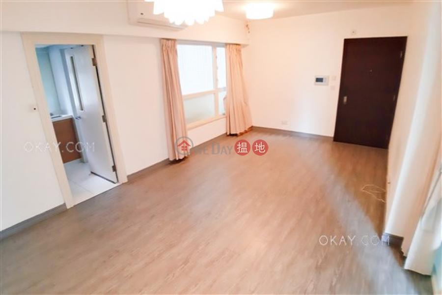 3房1廁,星級會所,可養寵物,露台《聚賢居出售單位》-108荷李活道 | 中區香港出售|HK$ 1,650萬