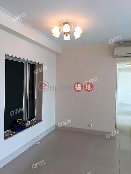 HK$ 24,000/ month | Swan Lake (Tower 2 - L Wing) Phase 2A Le Prestige Lohas Park | Sai Kung | Swan Lake (Tower 2 - L Wing) Phase 2A Le Prestige Lohas Park | 3 bedroom Mid Floor Flat for Rent