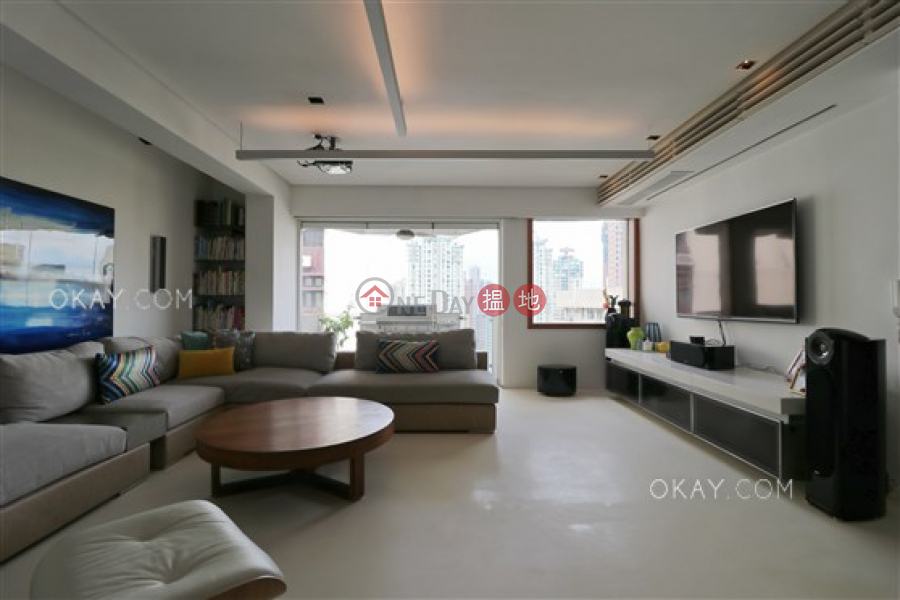 HK$ 30M | Fulham Garden Western District Efficient 3 bedroom with sea views, balcony | For Sale