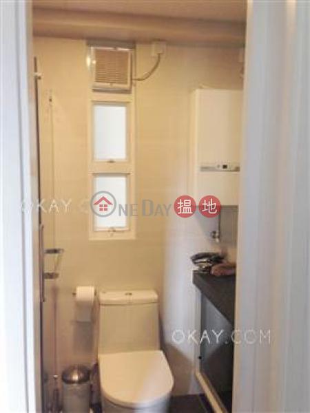 Nicely kept 2 bedroom on high floor | For Sale | Caine Building 廣堅大廈 Sales Listings