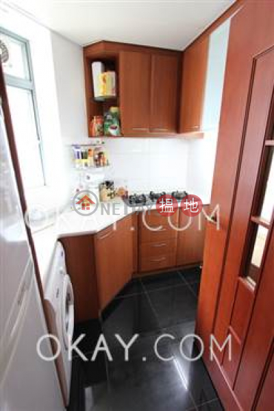 HK$ 31,000/ month 2 Park Road | Western District, Tasteful 2 bedroom with balcony | Rental