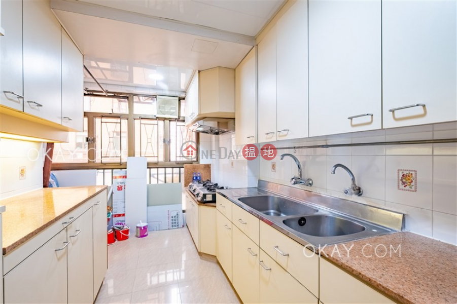 Gorgeous 3 bedroom on high floor with parking | Rental | Maiden Court 萬德閣 Rental Listings