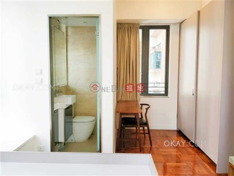 HK$ 26,000/ month, 18 Catchick Street, Western District | Lovely 2 bedroom with balcony | Rental