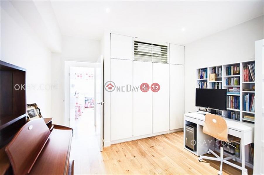 3房2廁,實用率高,海景,連車位《翠海別墅A座出售單位》|翠海別墅A座(Block A Cape Mansions)出售樓盤 (OKAY-S30411)