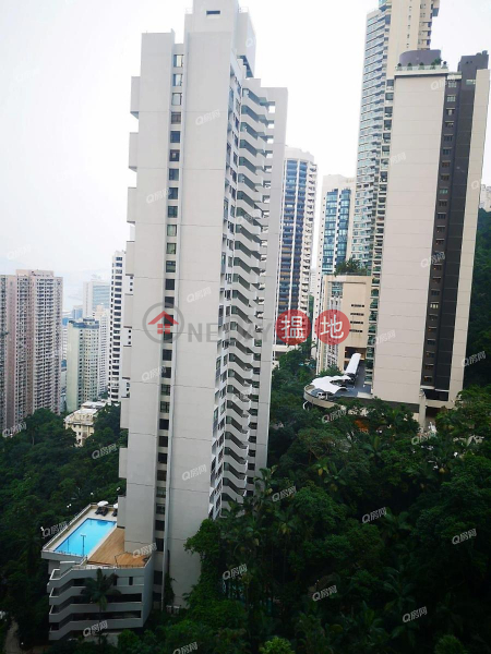 Property Search Hong Kong | OneDay | Residential Rental Listings | Tavistock II | 3 bedroom Mid Floor Flat for Rent