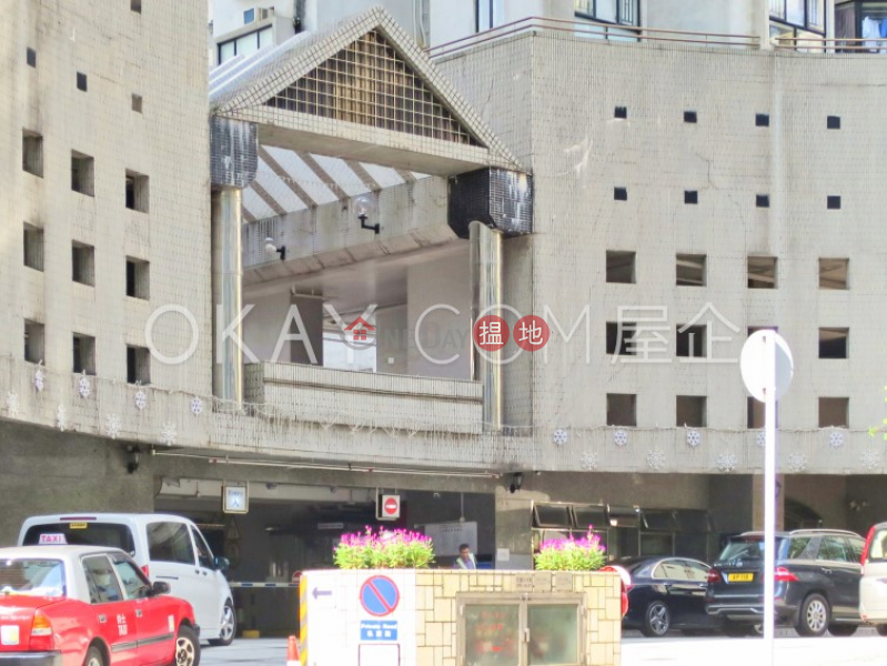 Lovely 3 bedroom with harbour views   For Sale   Illumination Terrace 光明臺 Sales Listings