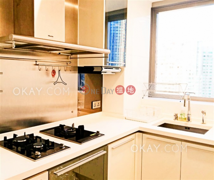 HK$ 45,000/ month The Cullinan Tower 21 Zone 6 (Aster Sky) Yau Tsim Mong Elegant 2 bedroom with balcony | Rental