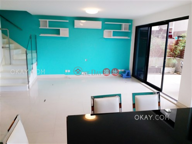 Popular house with balcony & parking | For Sale | Mau Po Village 茅莆村 Sales Listings