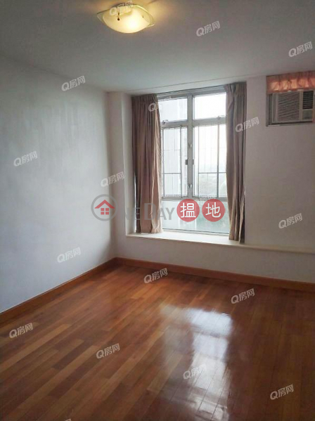 HK$ 45,000/ month (T-41) Lotus Mansion Harbour View Gardens (East) Taikoo Shing Eastern District, (T-41) Lotus Mansion Harbour View Gardens (East) Taikoo Shing | 3 bedroom Low Floor Flat for Rent