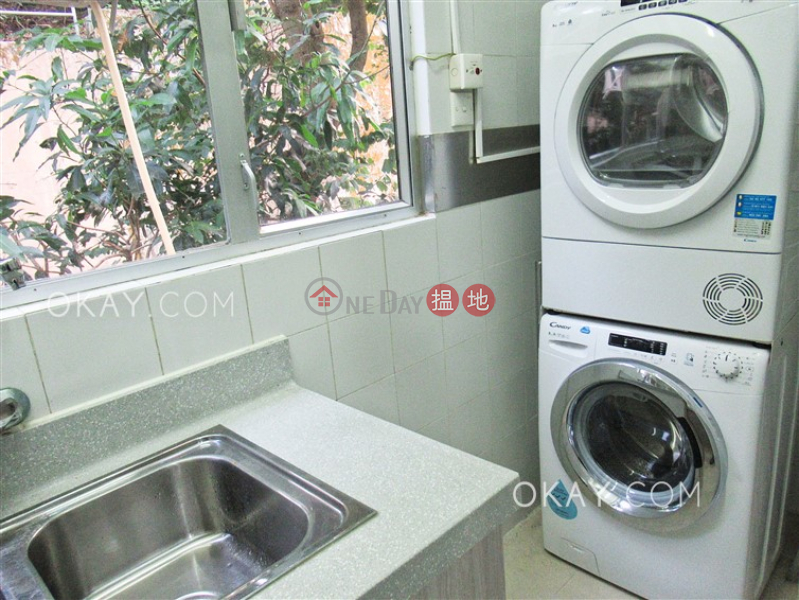 HK$ 70,000/ month Catalina Mansions Central District | Lovely 3 bedroom with balcony & parking | Rental