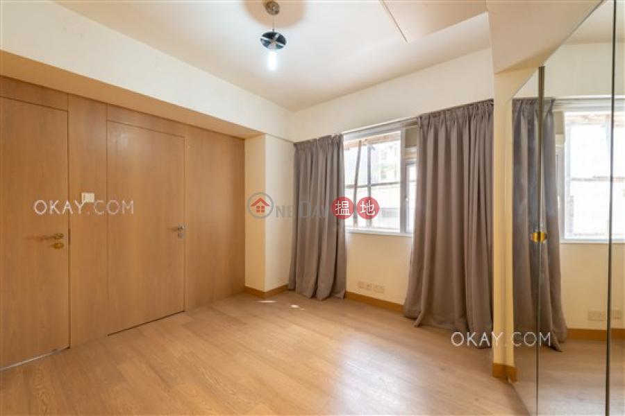 Nicely kept 3 bedroom with balcony & parking   Rental 20 Babington Path   Western District Hong Kong   Rental HK$ 48,000/ month