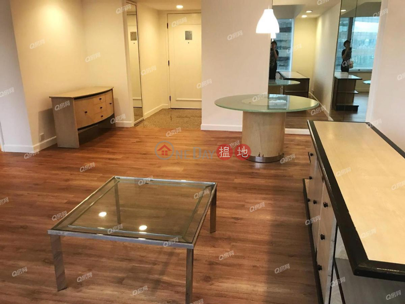 HK$ 33.7M | Convention Plaza Apartments, Wan Chai District Convention Plaza Apartments | 2 bedroom Mid Floor Flat for Sale