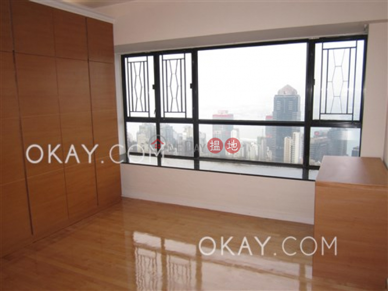 HK$ 33.8M, The Grand Panorama | Western District Luxurious penthouse with harbour views & rooftop | For Sale