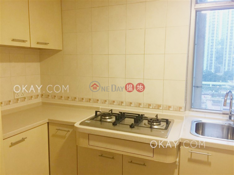 HK$ 37,000/ month (T-40) Begonia Mansion Harbour View Gardens (East) Taikoo Shing Eastern District   Popular 3 bedroom in Quarry Bay   Rental