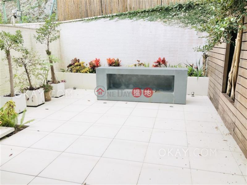 Elegant house with terrace & parking | Rental | Las Pinadas 松濤苑 Rental Listings