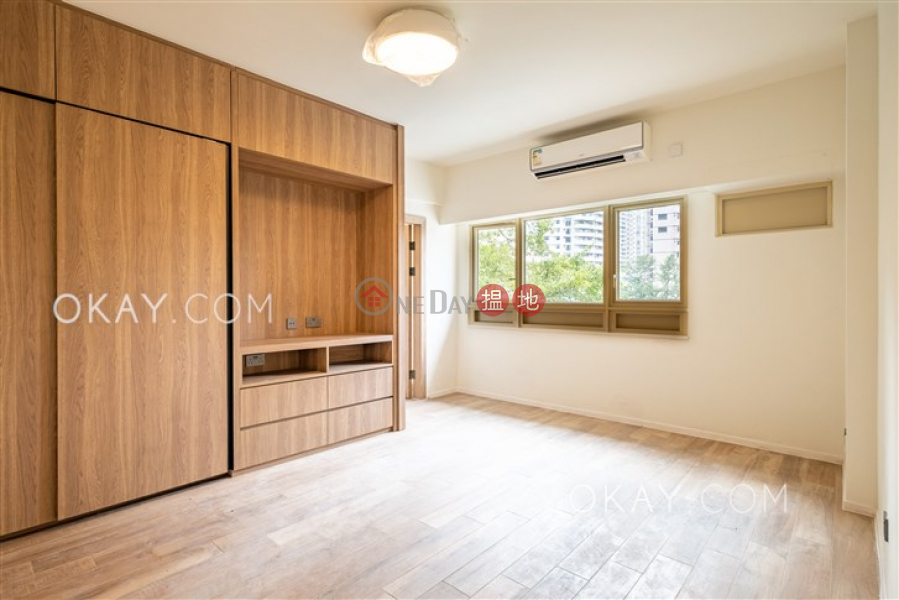 HK$ 40,000/ month St. Joan Court, Central District | Rare 1 bedroom with balcony | Rental