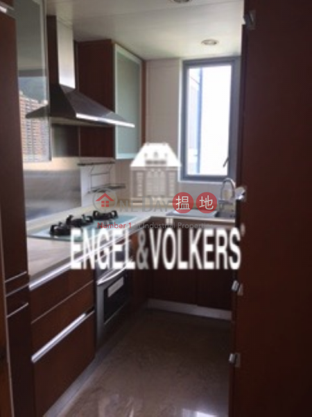 HK$ 30M Phase 2 South Tower Residence Bel-Air Southern District 3 Bedroom Family Flat for Sale in Cyberport