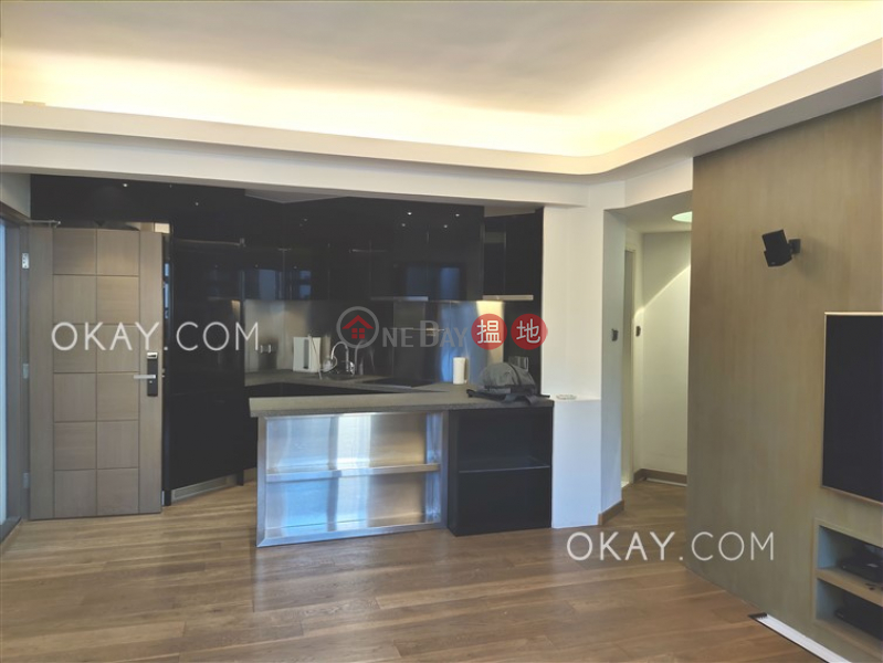 Stylish 2 bedroom in Causeway Bay | For Sale | Sung Lan Mansion 崇蘭大廈 Sales Listings