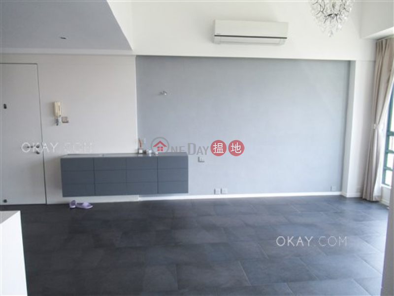 Property Search Hong Kong | OneDay | Residential, Sales Listings | Exquisite 3 bed on high floor with rooftop & parking | For Sale