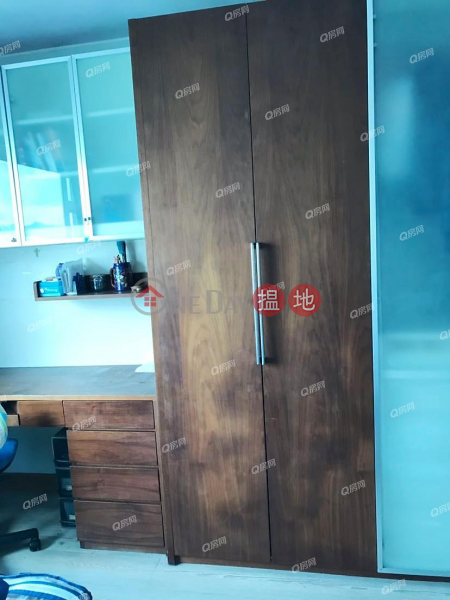 Property Search Hong Kong | OneDay | Residential Rental Listings Block 8 Yat Wah Mansion Sites B Lei King Wan | 3 bedroom Low Floor Flat for Rent