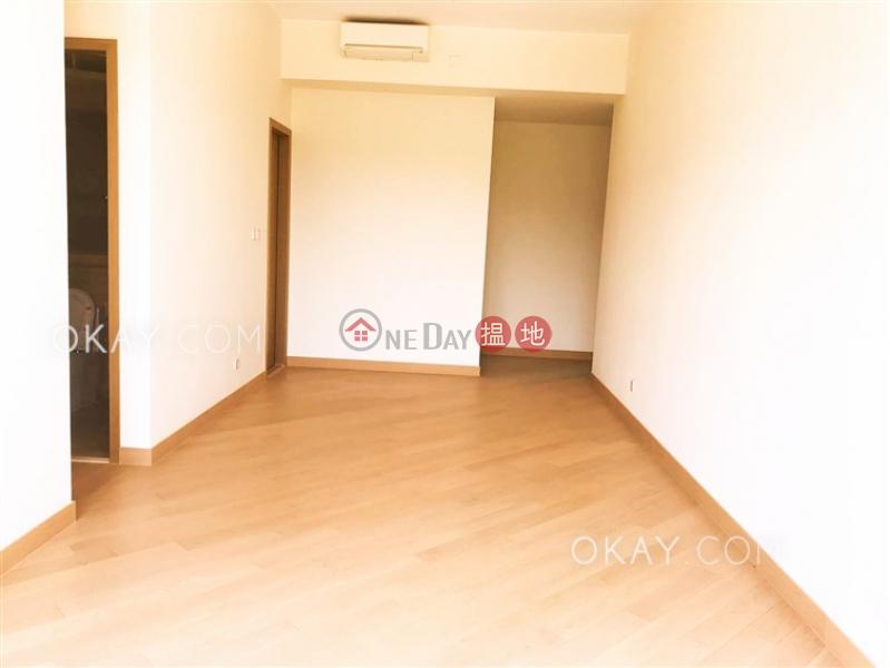 3房2廁,星級會所,露台《逸瓏園1座出售單位》|逸瓏園1座(The Mediterranean Tower 1)出售樓盤 (OKAY-S306510)