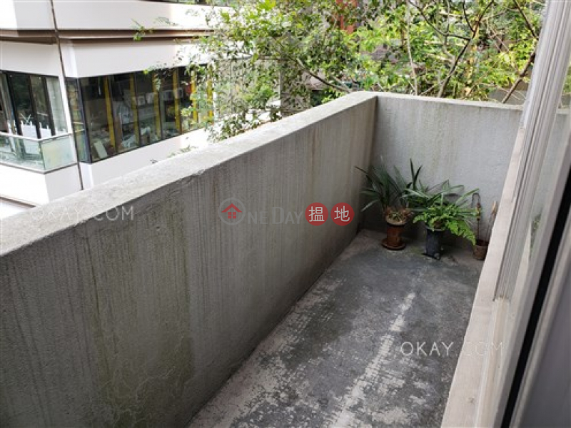 Stylish 4 bedroom with rooftop, terrace & balcony | For Sale | 11 Mosque Street 摩羅廟街11號 Sales Listings