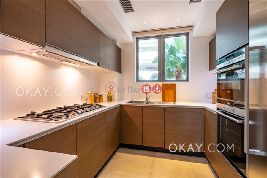 HK$ 110,000/ month Block 1 ( De Ricou) The Repulse Bay, Southern District, Gorgeous 3 bedroom with sea views, balcony | Rental