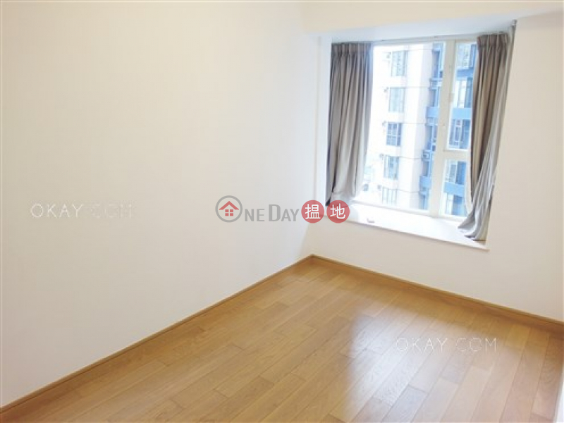 Nicely kept 3 bedroom on high floor with balcony | For Sale | Centrestage 聚賢居 Sales Listings