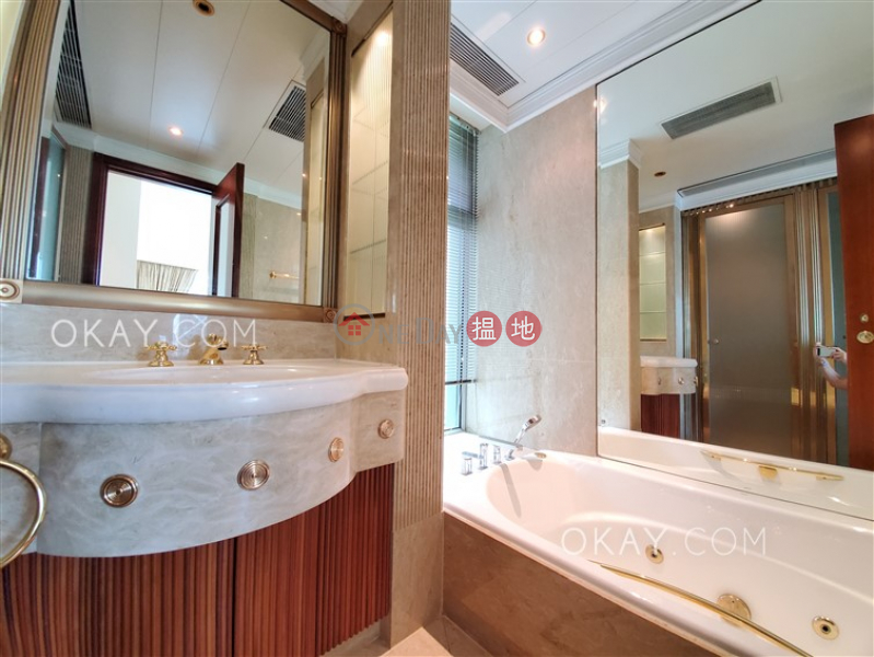 HK$ 98,000/ month, Regence Royale, Central District Stylish 3 bedroom with harbour views | Rental