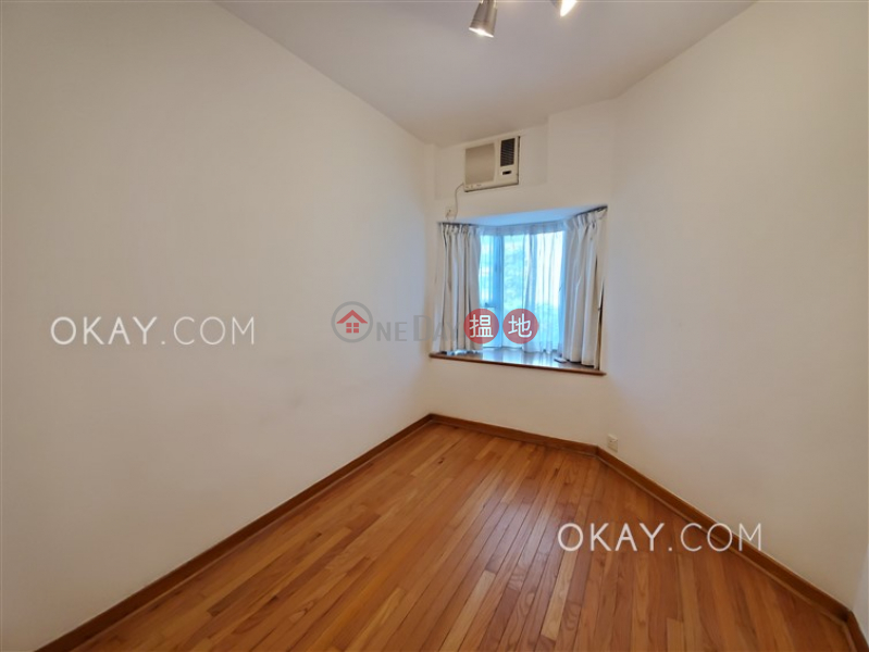 HK$ 30,800/ month Island Place, Eastern District Nicely kept 3 bedroom in North Point | Rental