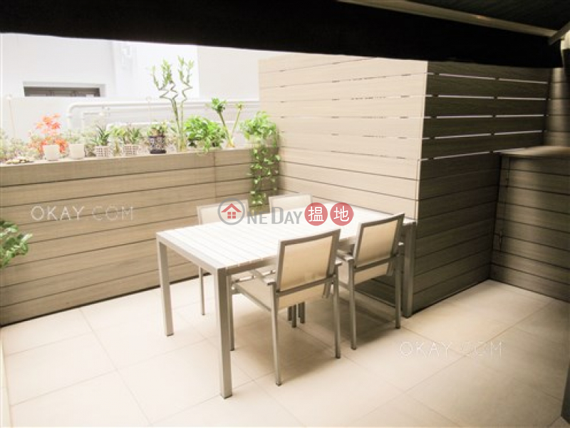 Practical 1 bedroom with terrace   For Sale   On Tung Mansion 安東樓 Sales Listings