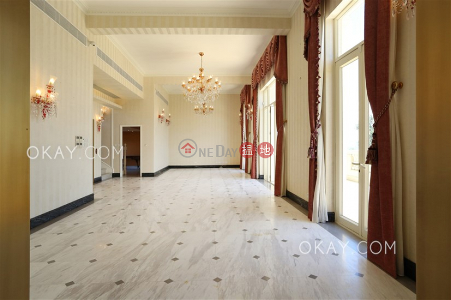 HK$ 500,000/ month, The Mount Austin, House A-H, Central District Rare house in The Peak | Rental