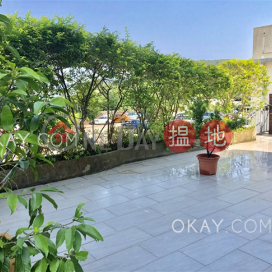 Charming house with terrace, balcony   Rental