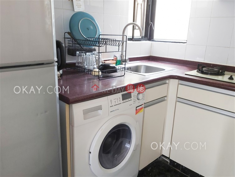 HK$ 25,000/ month | Caine Tower Central District Charming 2 bedroom in Sheung Wan | Rental