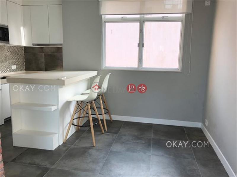 1房1廁,極高層,星級會所,露台《達隆名居出租單位》38干諾道西   西區 香港 出租-HK$ 32,500/ 月