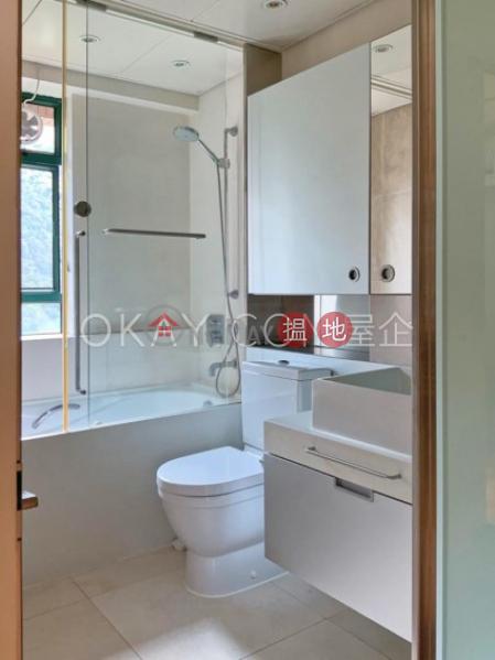 Stylish 1 bedroom on high floor with parking | Rental | Hillsborough Court 曉峰閣 Rental Listings
