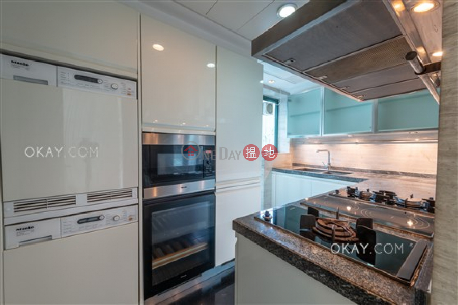 Property Search Hong Kong | OneDay | Residential | Rental Listings, Luxurious 3 bed on high floor with rooftop & parking | Rental