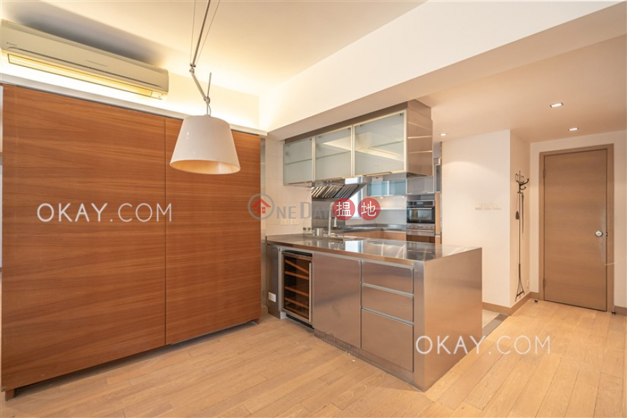 Efficient 2 bed on high floor with balcony & parking | Rental | Realty Gardens 聯邦花園 Rental Listings