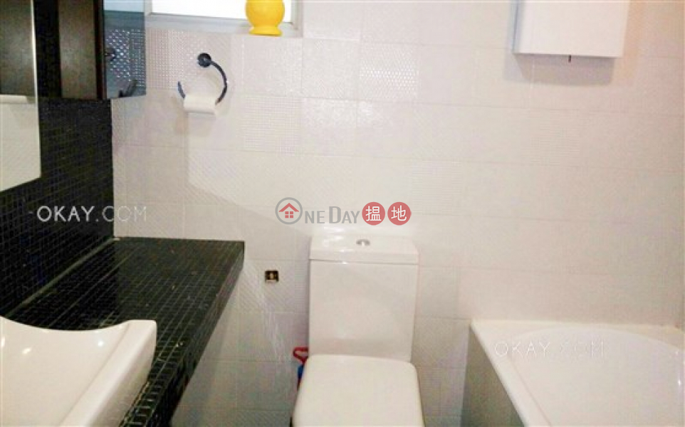 Property Search Hong Kong | OneDay | Residential Sales Listings | Nicely kept 2 bedroom with terrace | For Sale