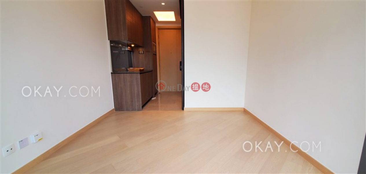 Unique high floor with balcony | For Sale | Novum West Tower 5 翰林峰5座 Sales Listings