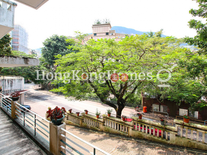 3 Bedroom Family Unit for Rent at 51-53 Blue Pool Road | 51-53 Blue Pool Road 藍塘道51-53號 Rental Listings