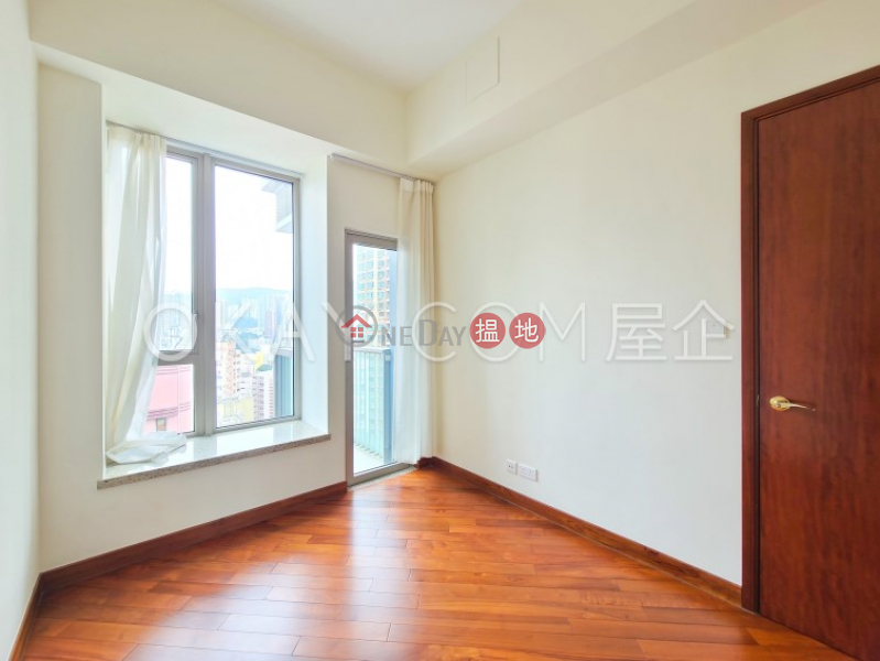 Nicely kept 1 bedroom with balcony | For Sale | The Avenue Tower 2 囍匯 2座 Sales Listings