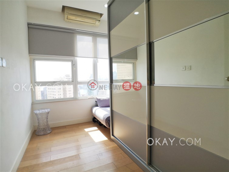 HK$ 23.8M | Seaview Garden, Eastern District | Nicely kept 3 bedroom with balcony & parking | For Sale